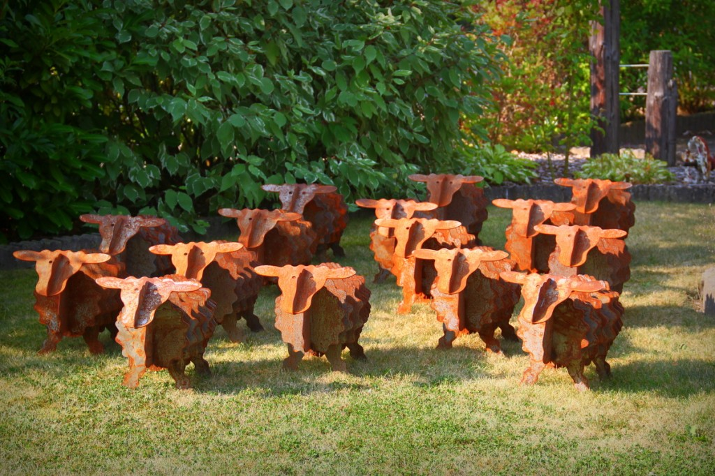 Gartendeko-rost-gartenskulpturen