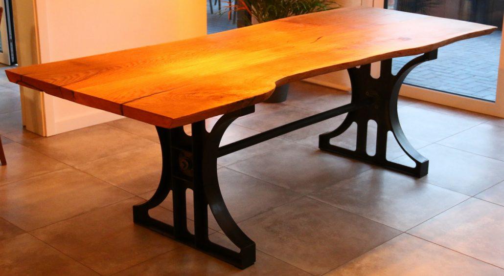 Tischgestell im Industriedesign