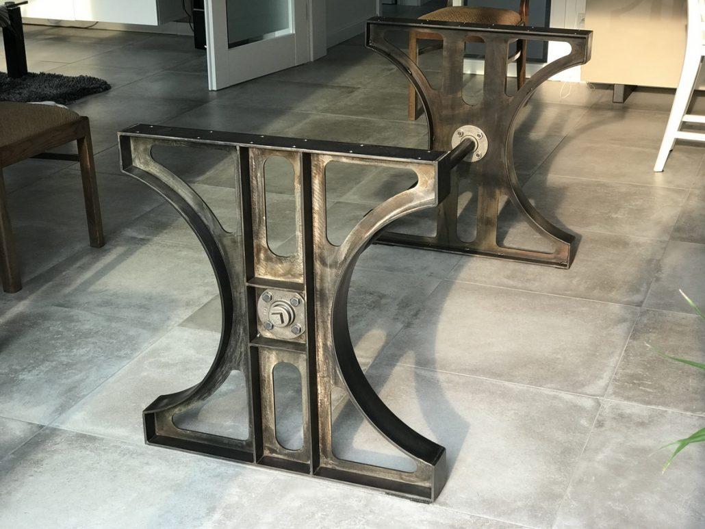Tischbeine-Industriedesign-brünieren